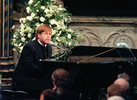 Elton John zaśpiewał na pogrzebie księżnej Diany - fot. Anwar Hussein /Getty Images/Flash Press Media
