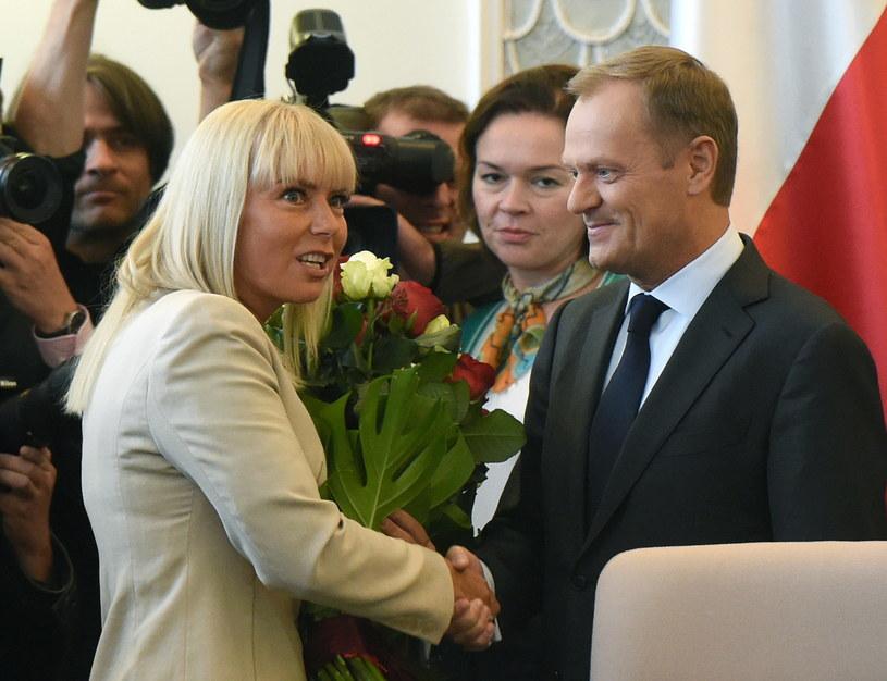 Elżbieta Bieńkowska i Donald Tusk /Radek Pietruszka /PAP