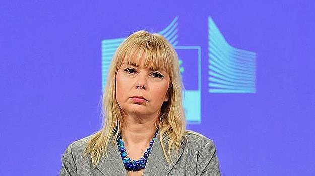 Elżbieta Bieńkowska, unijna komisarz ds. rynku wewnętrznego /AFP