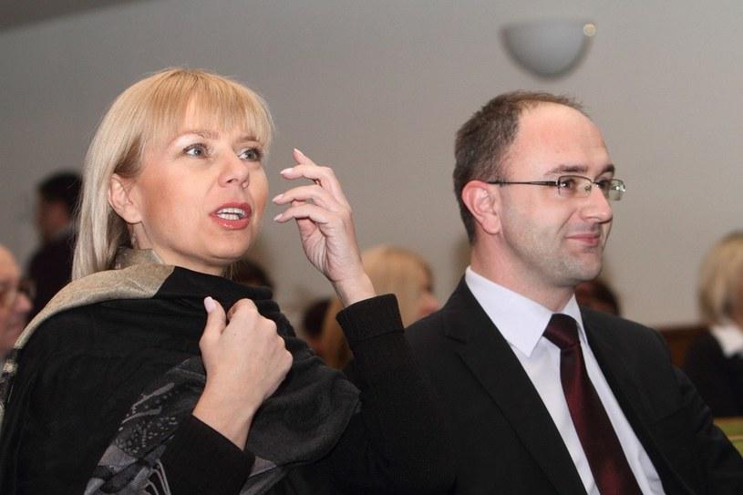 Elżbieta Bieńkowska z mężem podczas benefisu Mariana Kociniaka w radiowej Trójce /Jan Kucharzyk /East News