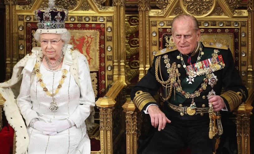 Elżbieta II i książę Filip na zdjęciu w 2012 roku /Photoshot    /Reporter
