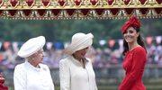Elżbieta II wraz z księżną Kamilą oraz Kate Middleton
