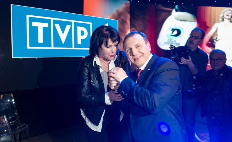 Elżbieta Jaworowicz z prezesem TVP /Bartosz Krupa /East News