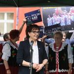 Elżbieta Witek o 500 plus. Opozycja odpowiada: PiS nie robi łaski