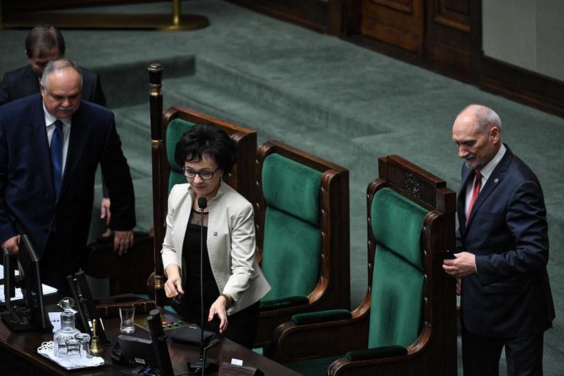 Elżbieta Witek w Sejmie / Radek Pietruszka   /PAP