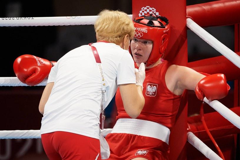 Elżbieta Wójcik na ringu bokserskim Tokio 2020 /Rafał Oleksiewcz /Newspix