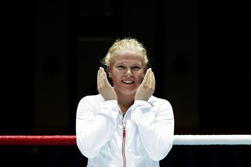 Elżbieta Wójcik w trakcie ceremonii medalowej w trakcie młodzieżowych igrzysk w Nanjing /Lintao Zhang /Getty Images
