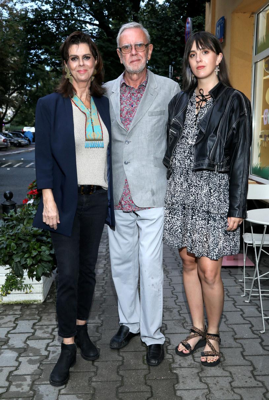 Elżbieta Zającówna z mężem i córką /Pawel Wodzynski /East News