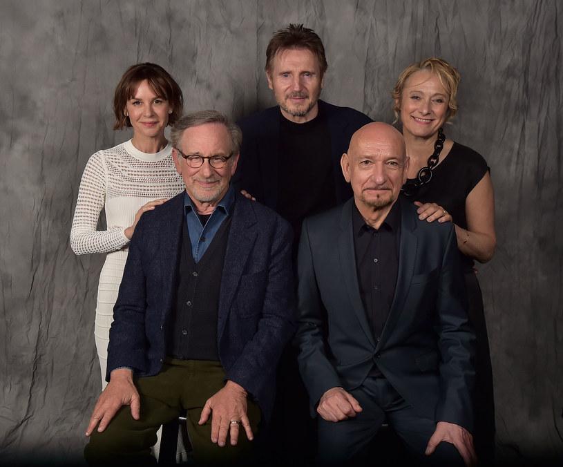 "Embeth Davidtz, Steven Spielberg, Liam Neeson, Sir Ben Kingsley i Caroline Goodall - 25 lat po premierze filmu ""Lista Schindlera"", Tribeca Film Festival 2018 /Theo Wargo /Getty Images"