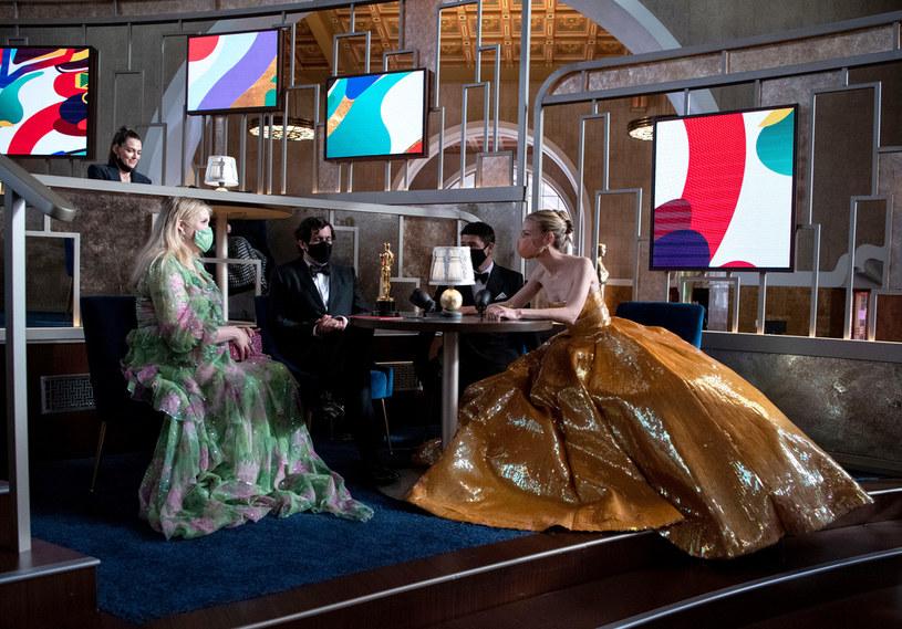 Emerald Fennell i Carey Mulligan na rozdaniu Oscarów 2021 /Richard Harbaugh - Handout/A.M.P.A.S. /Getty Images