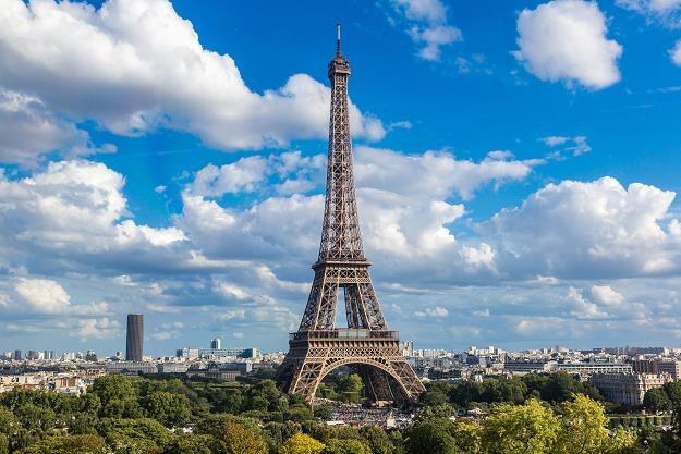 Emeryci we Francji nie godzą się na podniesienie opodatkowania świadczeń /©123RF/PICSEL