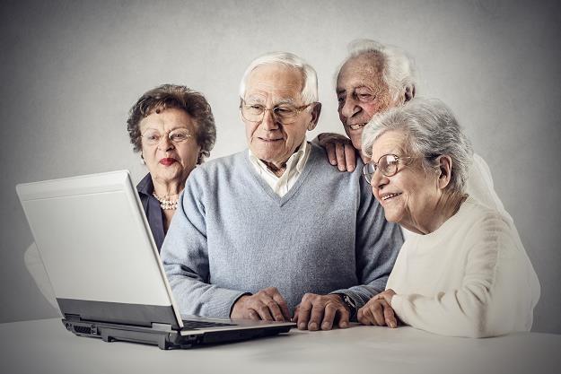 Emerytura bez względu na wiek. Prezydent pomoże... /©123RF/PICSEL