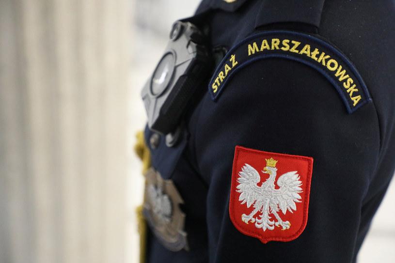Emerytury funkcjonariuszy strzegących Sejmu wielokrotnie przewyższają świadczenia w policji /Jakub Kamiński   /East News