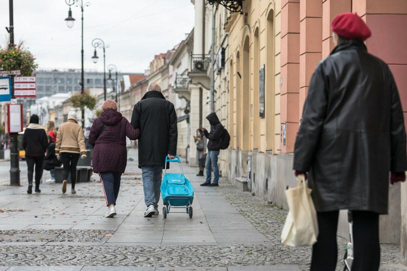 Emerytury: Jest problem… bo żyjemy coraz dłużej. /ARKADIUSZ ZIOLEK /East News