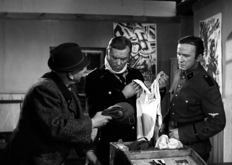 """Emil Karewicz w filmie """"Jak rozpętałem II wojnę światową"""" /East News/POLFILM"""