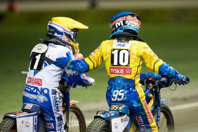 Emil Sajfutdinow (kask żółty), Bartosz Zmarzlik (kask niebieski). /Marcin Karczewski /Newspix