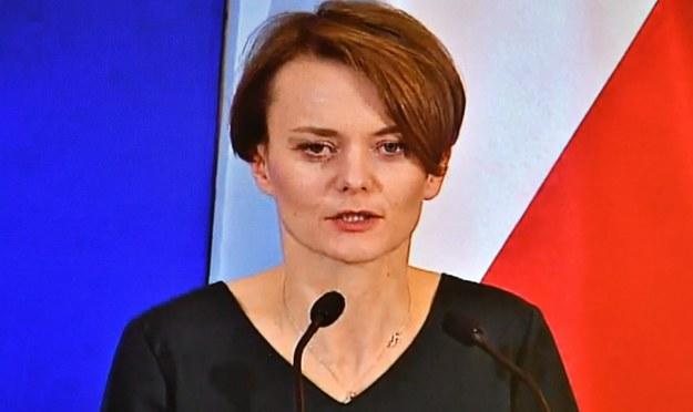 """Emilewicz: Chcemy projekt """"tarczy antykryzysowej"""" skonsultować z opozycją"""