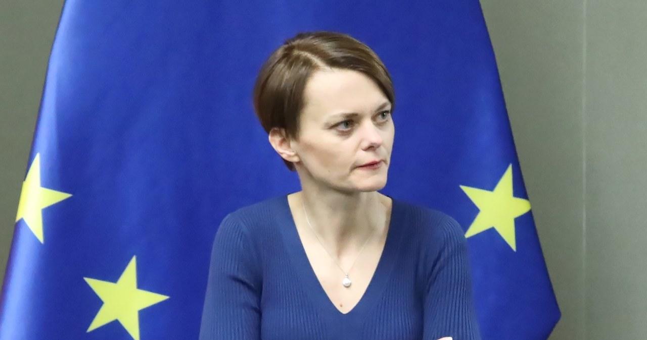 Emilewicz: Pracujemy nad innymi rozwiązaniami, m.in. wsparciem dla samorządów