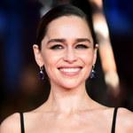 Emilia Clarke nie myśli o operacjach plastycznych. Przerażają ją