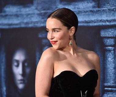 Emilia Clarke: Ściągaj ubranie!
