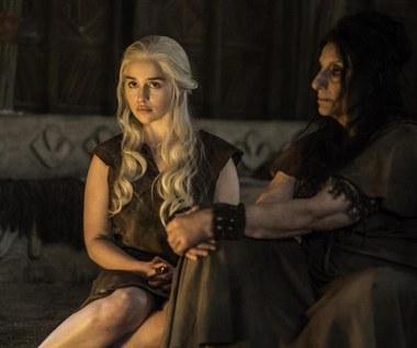 """Emilia Clarke znów nago w """"Grze o tron"""" [spoiler!]"""