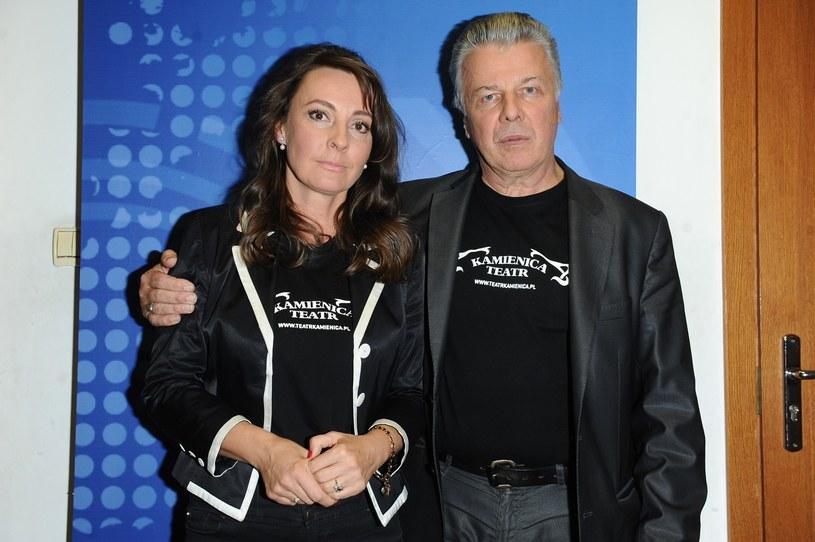 Emilian Kamiński z żoną Justyną Sieńczyłło /East News