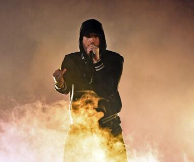 """Eminem odpowiada Machine Gun Kelly'emu: Posłuchaj dissa """"Killshot"""" i sprawdź tekst"""