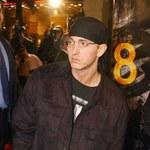 Eminem pobił w ubikacji?