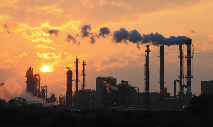 Emisje gazów cieplarnianych w 2023 r. znów mogą osiągnąć rekordowy poziom /123RF/PICSEL
