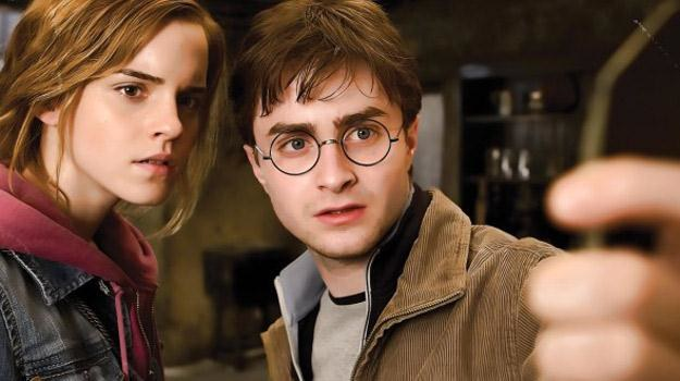 """Emma Watson i Daniel Radcliffe w filmie """"Harry Potter i Insygnia Śmierci: Część II"""" /materiały dystrybutora"""