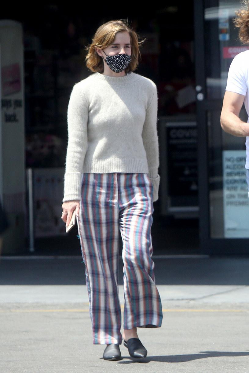 Emma Watson w spodniach od piżamy /London Entertainment /East News