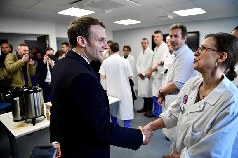 Emmanuel Macron w szpitalu Pitie-Salpetriere /MARTIN BUREAU /AFP