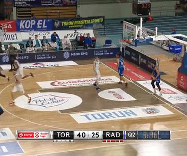 Energa Basket Liga. Polski Cukier Toruń - HydroTruck Radom 81:67 - skrót (POLSAT SPORT). Wideo