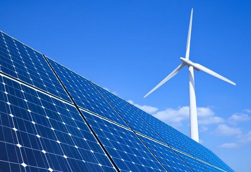 Energia odnawialna nabiera na znaczeniu /123RF/PICSEL