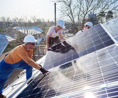 Energia ze słońca – przyszłość energetyki czy przereklamowany mit?