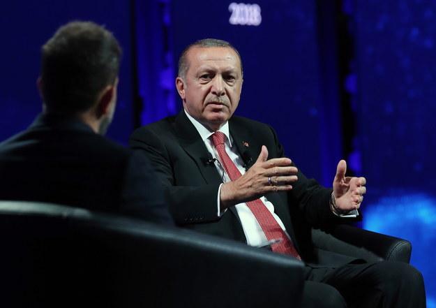 "Erdogan podczas panelu dyskusyjnego ""World Forum"" /TURKISH PRESIDENTAL PRESS OFFICE / HANDOUT /PAP/EPA"