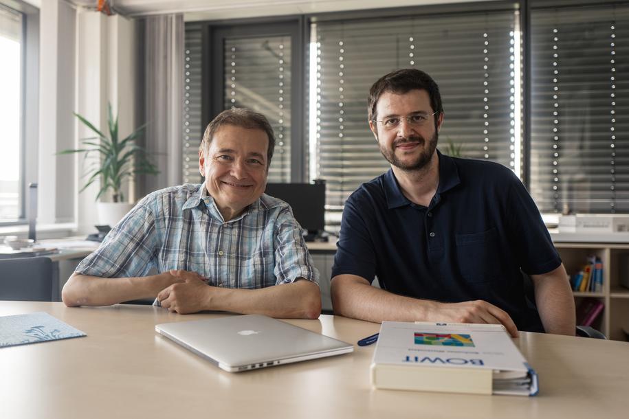 Erhan Genç (po prawej) i Onur Güntürkün z Department of Biopsychology Ruhr-Universität Bochum /RUB, Kramer /Materiały prasowe