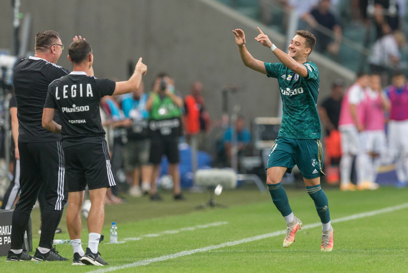 Ernest Muci celebruje zwycięskiego gola /Foto Olimpik/REPORTER /East News