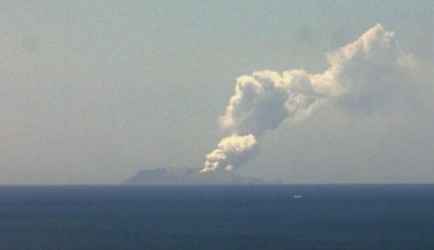 Erupcja wulkanu na Białej Wyspie /NEW ZEALAND INSTITUTE OF GEOLOGICAL AND NUCLEAR SCIENCES/HANDOUT /PAP/EPA