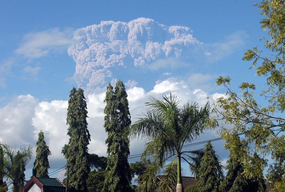 Erupcja wulkanu Sangeang Api /STR /PAP/EPA