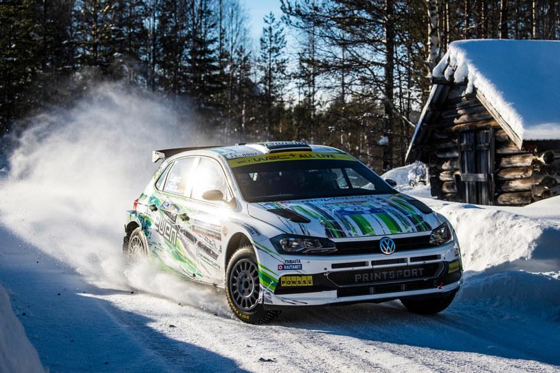Esapekka Lappi/Jane Ferm (VW Polo GTI Rally2) okazali się najszybszą załogą kategorii WRC2 fot. RedBull Content Pool /