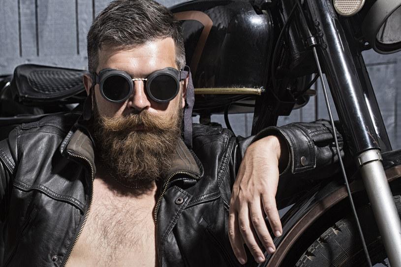 Eskpert Chris Foster prezentuje najlepsze stylizacje brody /materiały prasowe