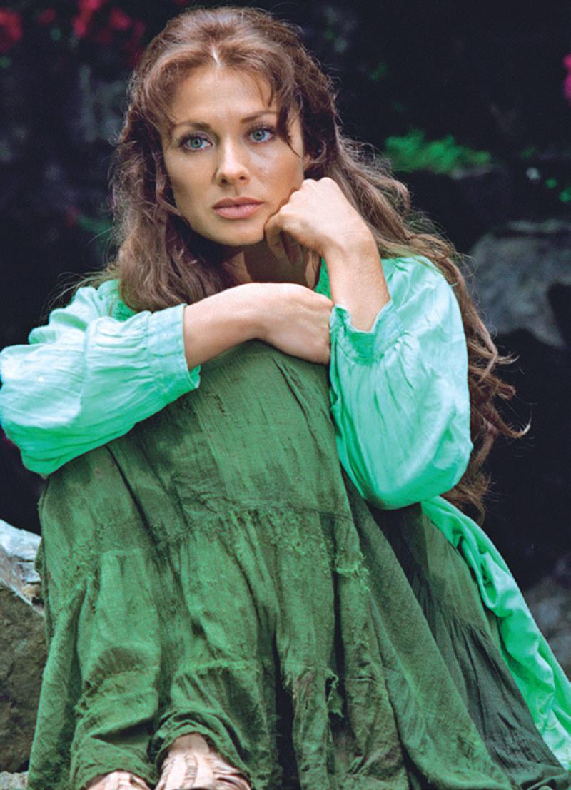 """""""Esmeralda"""": Czy po prawie 20 latach historia niewidomej sieroty na nowo zachwyci widzów? /Świat Seriali"""