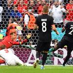 Euro 2020. Bastian Schweinsteiger zdumiewa: Manuel Neuer najlepszym bramkarzem turnieju