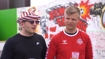 Euro 2020. Pamiątkowe wpisy na muralu dla Christiana Eriksena. Wideo