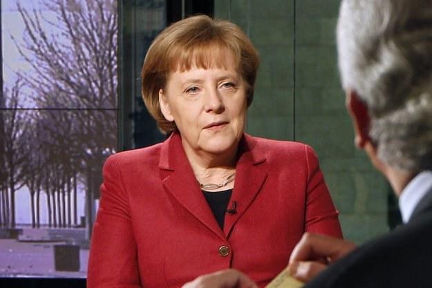 Euro z pewnością jest w najtrudniejszej fazie od czasu, kiedy powstało - powiedziała Merkel /AFP