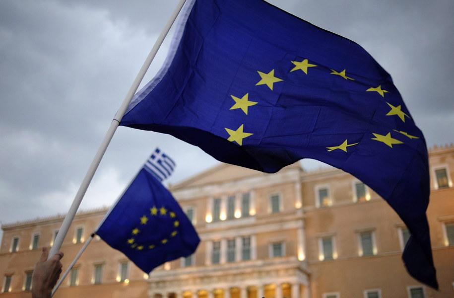Europa czeka na wynik niedzielnego referendum w Grecji /FOTIS PLEGAS /PAP/EPA