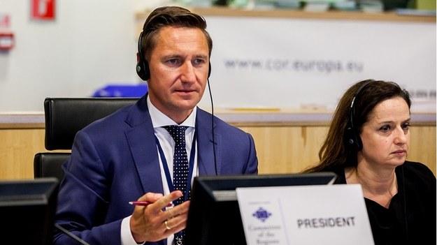 - Europa przegrywa wyścig o talenty z globalnymi graczami - uważa Olgierd Geblewicz, polski przedstawiciel w Komitecie Regionów /PAP