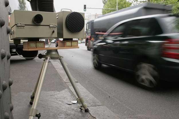 Europejskie fotoradary łapią Polaków /AFP