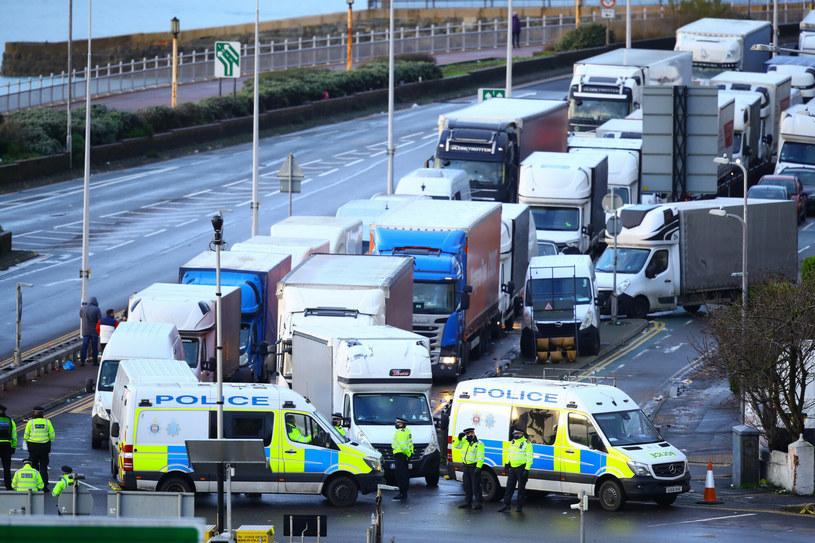 Europejskie media doceniły polską pomoc dla kierowców, którzy utknęli w Wielkiej Brytanii /Aaron Chown / Press Association /East News
